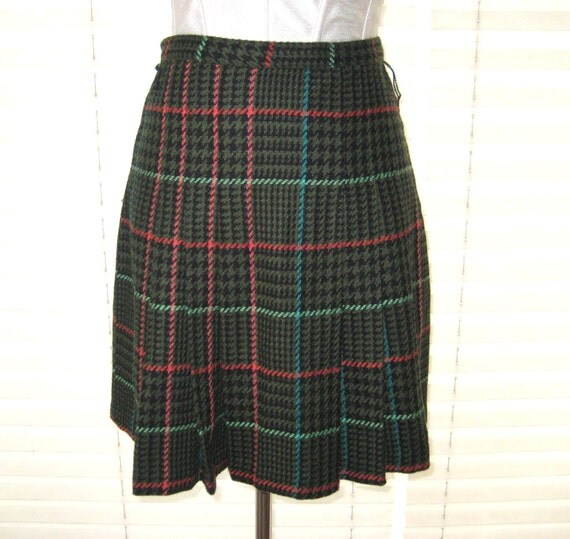 matches. ($ - $) Find great deals on the latest styles of Green plaid pleated skirt. Compare prices & save money on Women's Skirts.