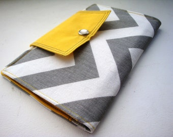 Women's chevron wallet / clutch / pocketbook in gray and yellow