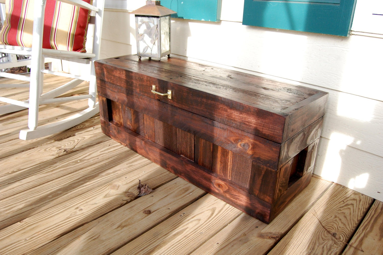 ?zoom & Red Mahogany Hope Chest / Toy Box/Blanket Storage from Aboutintivar.Com