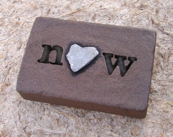 """Love Rocks """"now"""" Plaque with Natural Found Heart Shaped Rock - Word Wall Stone Sign Art Live in Present Moment Affirmation Reminder"""