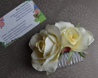 Light Ivory Cream Three Rose Cluster Flower Facsinator Hair Comb Bridal Wedding