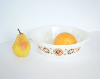 Pyrex  Vintage JAJ Round Casserole Dish in Toledo Pattern 1.25L