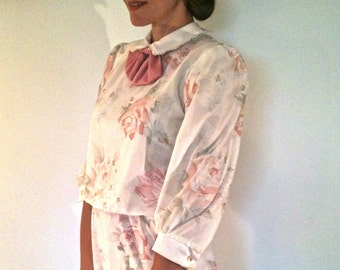 Vintage 80s prim, curator dress / garden party or tea / pearly buttons, Peter Pan collar and bow tie / 1980s small