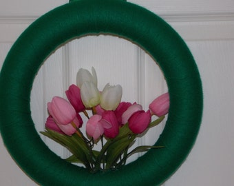 """12"""" Kelly Green Yarn Wreath with Pink and White Tulips"""