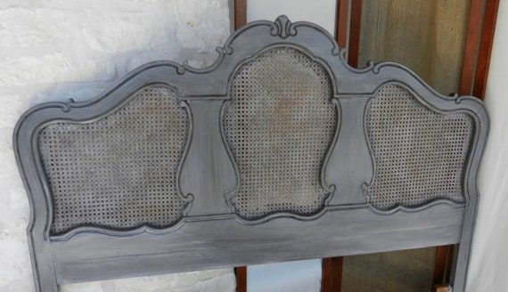 Very french painted cane headboard for Painted on headboard