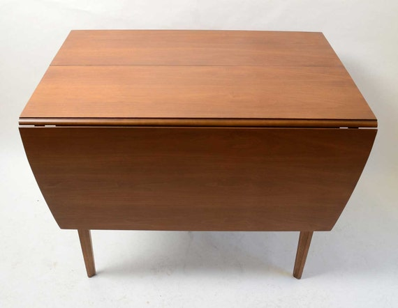 Broyhill Forward 70 Dining Table With Leaf Walnut Mid Century Modern