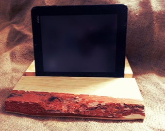 Reclaimed Pine Tablet Dock