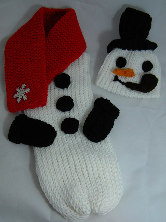 Knitting Pattern For Baby Snowman Hat : Snowman knitted cocoon and hat set by pipisqueaks on Etsy