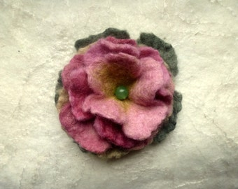 Felt Brooch old english rose