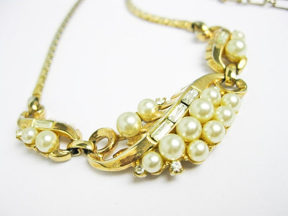 1950s Signed Trifari Hollywood Regency Necklace, Pearl & Rhinestone, NYC.