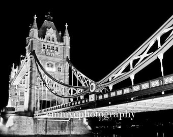 Photo Art Print - Tower Bridge London - 6x4 / 8x6 Print - Black and White Landscape - Photography Print