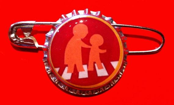 Assisting the Elderly Wilderness Explorer Russell Badge Bottlecap Pin Disney Pixar Up