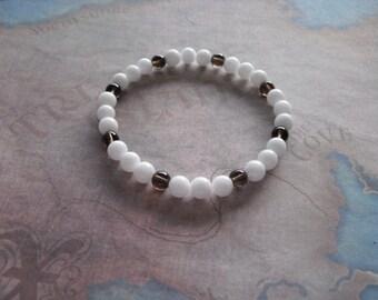 Pretty nice white jade bracelet