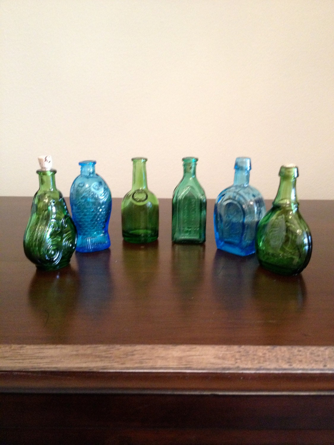 Vintage set of 6 miniature bottles 3 wheaton n j 3 made Grape swedish fish