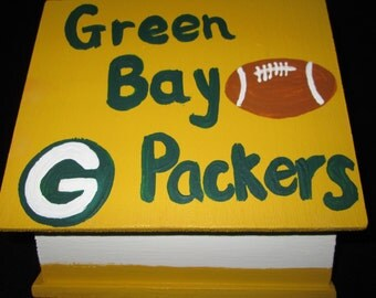 Green Bay Packers birdhouse with Shazaam