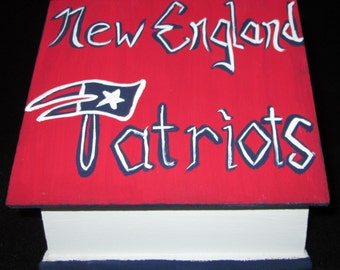 New England Patriots Birdhouse with Shazaam