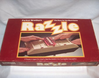 RAZZLE GAME 1981 Parker Brothers The Race for the Word Game