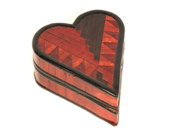 Heart shaped box from Indonesia - good gift to Valentine's Day