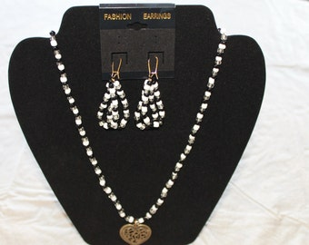 HEARTY Necklace & Earring Set