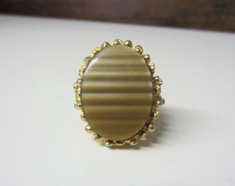1960s Huge Cocktail Ring Tiger's Eye Brown Wavy Lucite Large Statement Hostess Ring