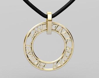 28mm 9ct gold personlised pendant