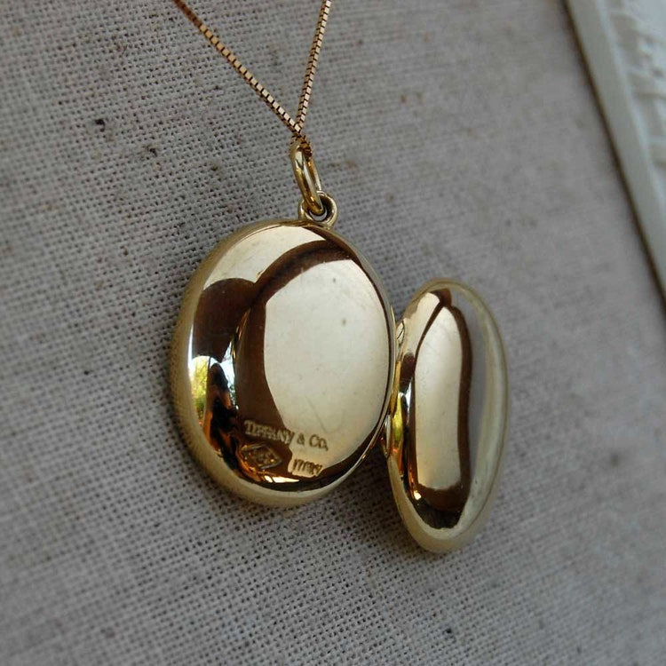 Sale Vintage 14k Tiffany Amp Co Oval Locket Pendant By