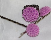 A set of Vintage style Hair pin and a ring with a Cabochon Flowers
