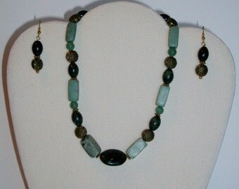 Green Serpentine and Adventurine Choker Necklace and Earrings