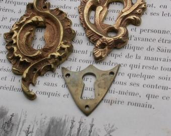 3pcs  antique  heavy bronze gold gilt locket decoration pendant jewelry design charm gold ornate leaf leaves