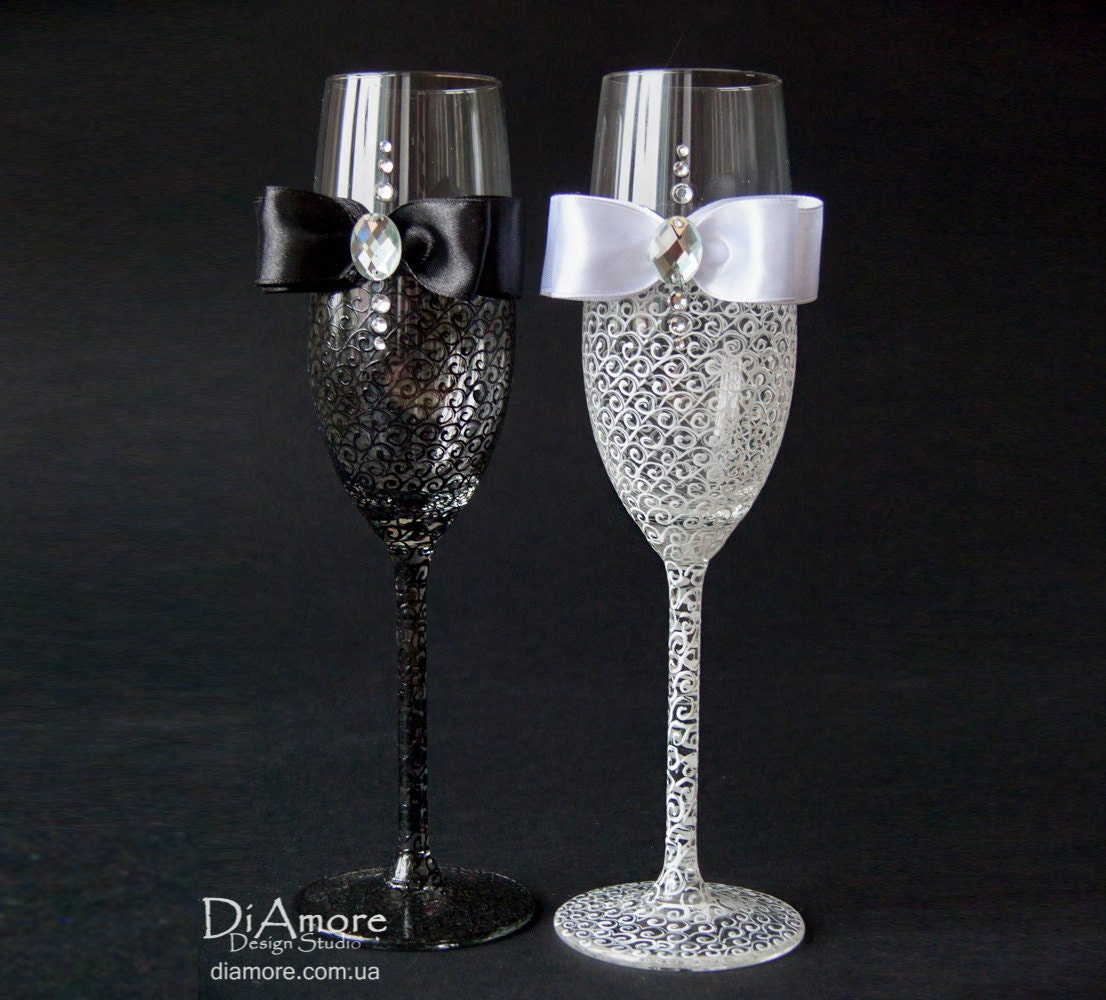 wedding champagne glasses champagne flutes personalized