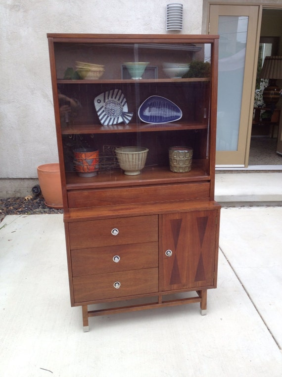 Reserved For Audrey Mid Century Stanley Distinctive China Cabinet