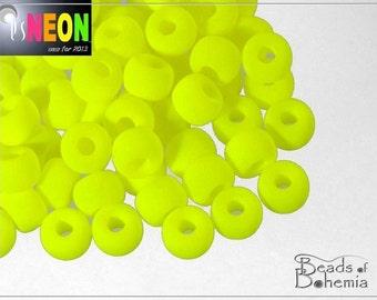 UV Active Neon Yellow Czech Glass Pony Beads 7x5 mm, 20 pcs (7525)