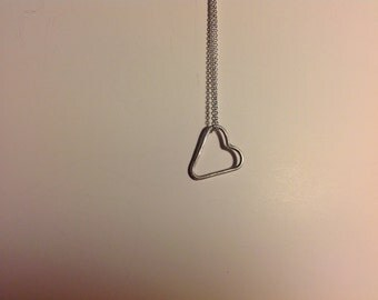 Silver handmade heart on a 24 inch silver chain NK0016