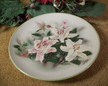 Hummingbirds and Lilies Plate Artist Lena Lici White and Pink Flowers Vintage Teleflora Gift Home Decor Plate Trinket Dish Vanity Table Tray