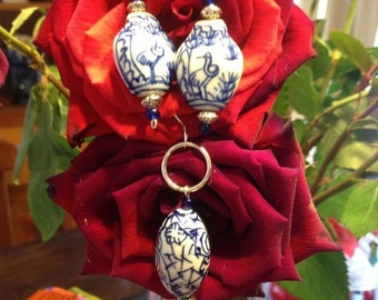 Vintage-look a like Pendant set with earrings ceramic and crystal heart