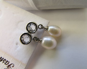 Lovely AA Smooth White Rice Fresh Water Pearl With Round Crystal Rhinestone Silver Dangle Stud Earrings