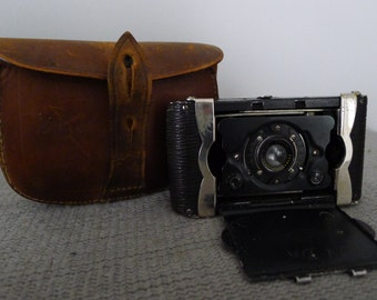 V.P. Seneca Trio Camera with leather case