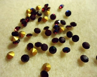 Vintage Glass Round Garnet Red colour Glass rhinestones 4mm Foiled pointed back chatons jewels - 20 pieces