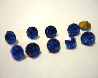 Vintage Glass Round Vibrant Sapphire Blue colour Glass rhinestone Chaton  5mm Foiled pointed back - 10 pieces