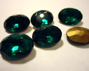 Vintage Glass Oval Emerald Green colour Foiled Czech Rhinestone 18mm x 13mm glass jewels-6 pieces