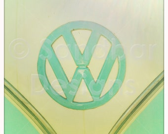 4 x 4 photo Pool Blue VW bus logo
