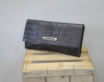 Vintage  Leather Clutch..(205)