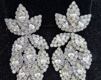 MAJOR PRICE REDUCTION - Clear Marquise Crystal Rhinestone Silvertone Vintage Dangle Drop Clip Earrings