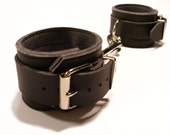 vegan leather wrist cuff set (black)
