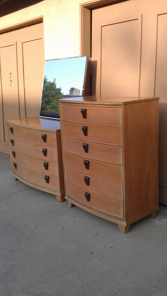 Pretty blonde mid century 3pc bedroom set dresser chest of for Pretty bedroom furniture