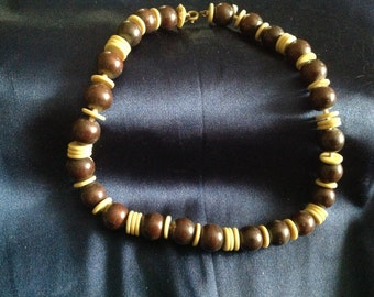 Brown and tan banded necklace