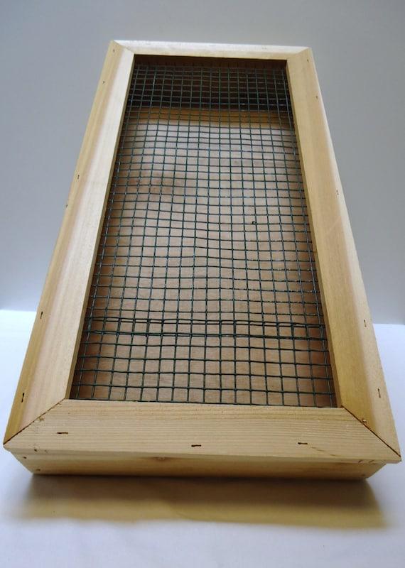 Vertical succulent planter box cedar wall by oregonwoodworks for Vertical planter boxes