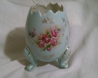 Vintage 3 Legged Ceramic Egg 1962 Inarco with Teal Color and Flower Patterns