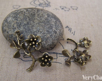 6 pcs of Antique Bronze Brass Half Pin Flower Branch Charms 21x25mm A5182