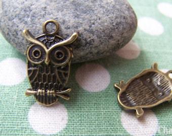 SALE 20 pcs of Antique Bronze Owl Charms Pendant 15x19mm A101